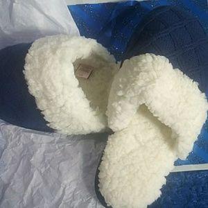 Victoria Secret Sheepskin Comfort NWOT